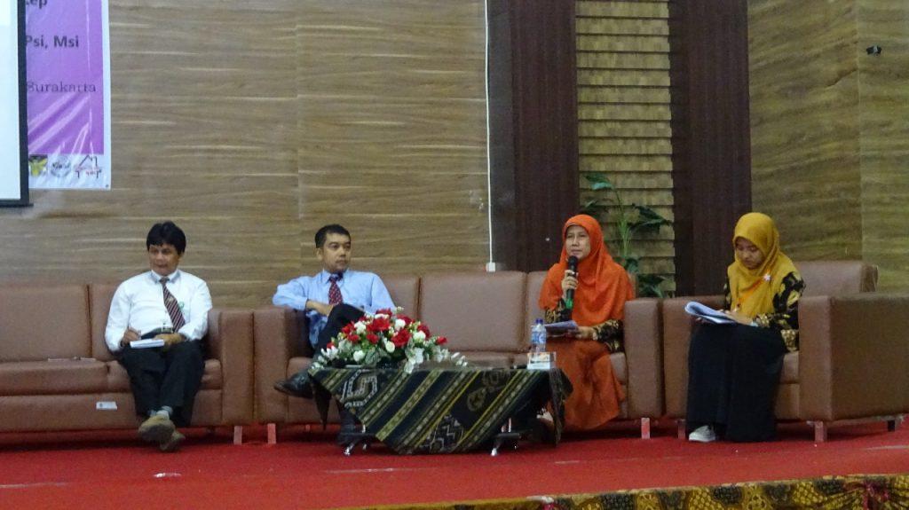 Mahasiswa S3 IKM UNS menjadi narasumber seminar
