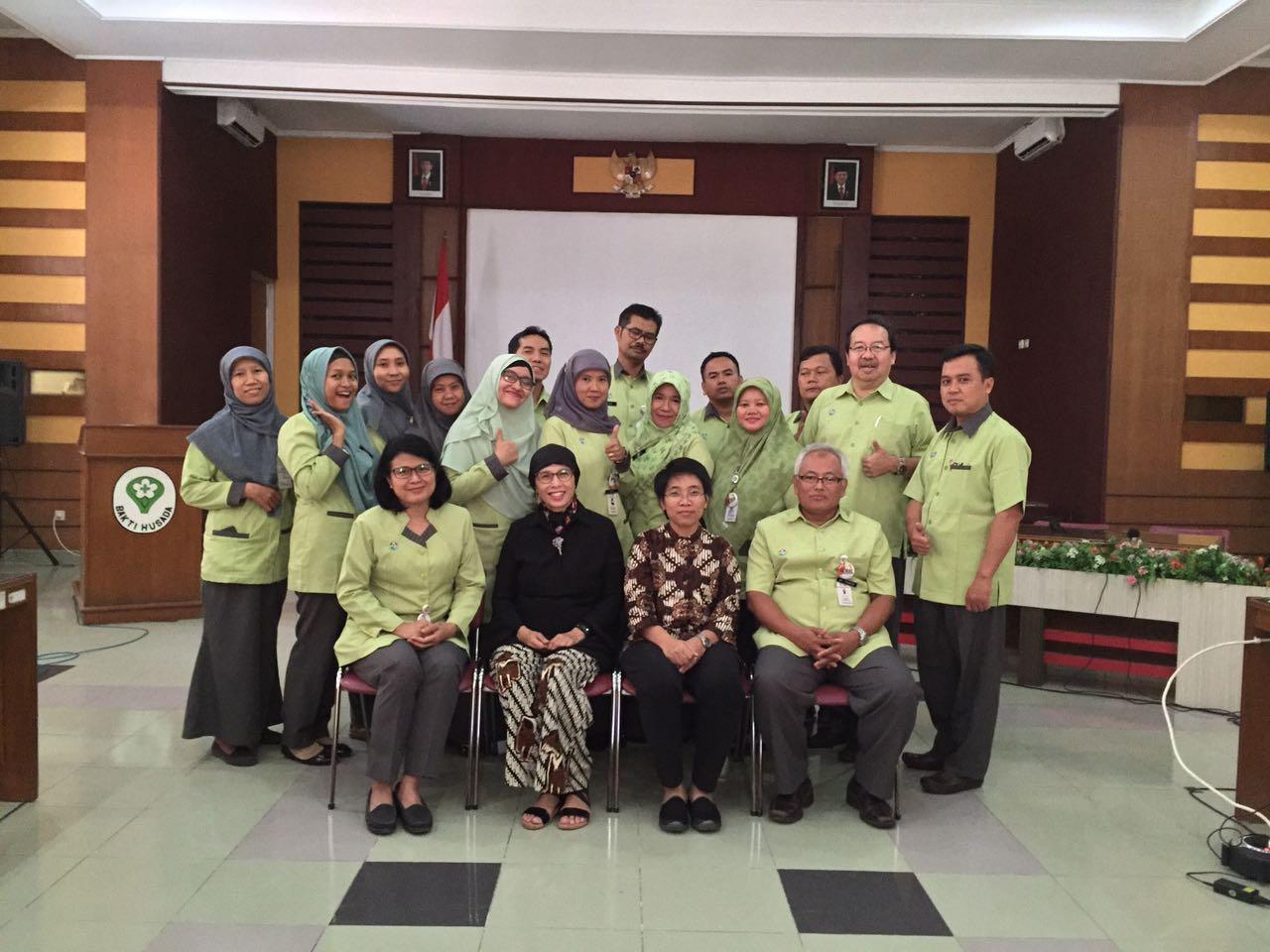 Kepala Program Studi S3 IKM UNS menjadi narasumber seminar proposal penelitian kesehatan paru