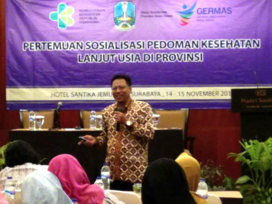 Mahasiswa a.n Agus Hidayat menjadi narasumber pertemuan sosialisasi pedoman kesehatan lanjut usia