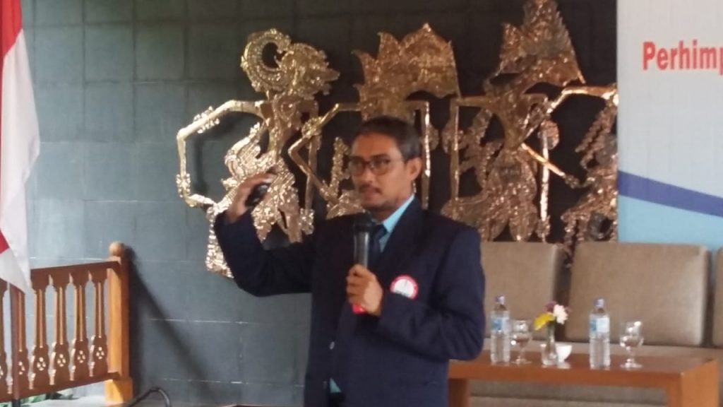 Mahasiswa a.n M. Husen Prabowo mengisi acara pelantikan pengurus PKFI