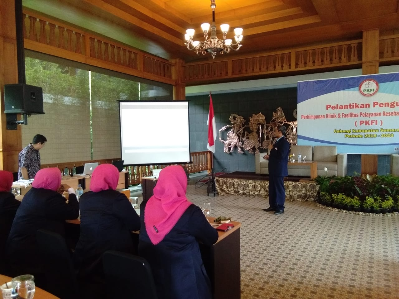 Mahasiswa a.n. dr Muh Husen Prabowo, MPH menjadi pembicara dalam acara pelantikan pengurus PKFI Cabang Kabupaten Semarang