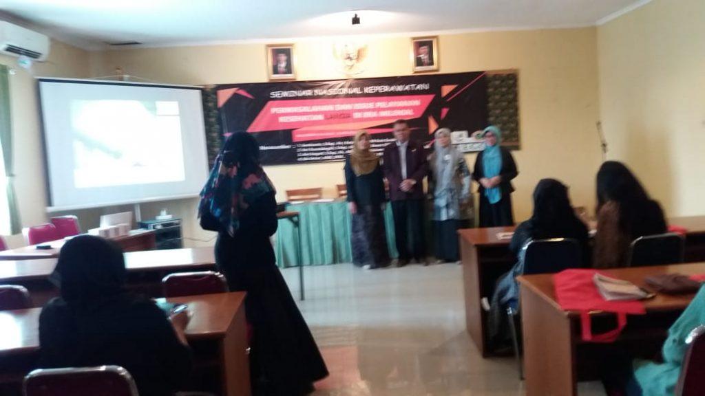 Mahasiswa S3 IKM UNS a.n. Ida Untari menjadi Narasumber dalam Seminar Keperawatan Nasional 2019