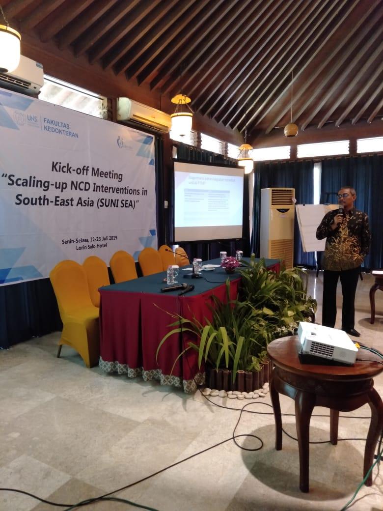 """Mahasiswa a.n. dr Muh Husen Prabowo, MPH menjadi pembicara dalam acara Kick off Meeting """"Scalling-up NCD Interventions In South-East Asia (SUNI SEA)"""""""