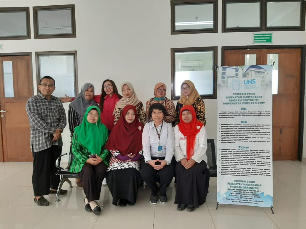 Kegiatan Focus Group Discussion (FGD) Penelitian Disertasi Mahasiswa S3 IKM UNS atas nama Burhannudin Ichsan