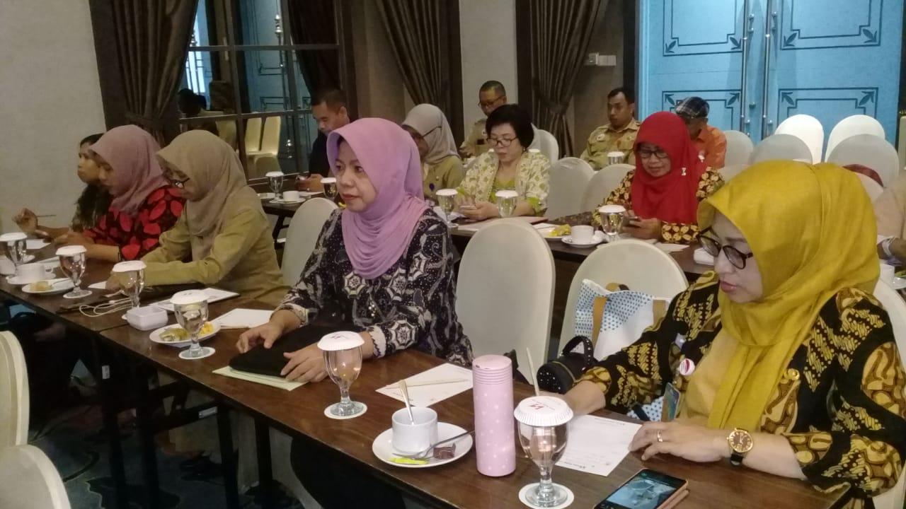 Staf dosen S3 IKM Dr. Sri Mulyani, S.Kep, M.Kes mengikuti Rapat Kerja Kesehatan Daerah Kota Surakarta