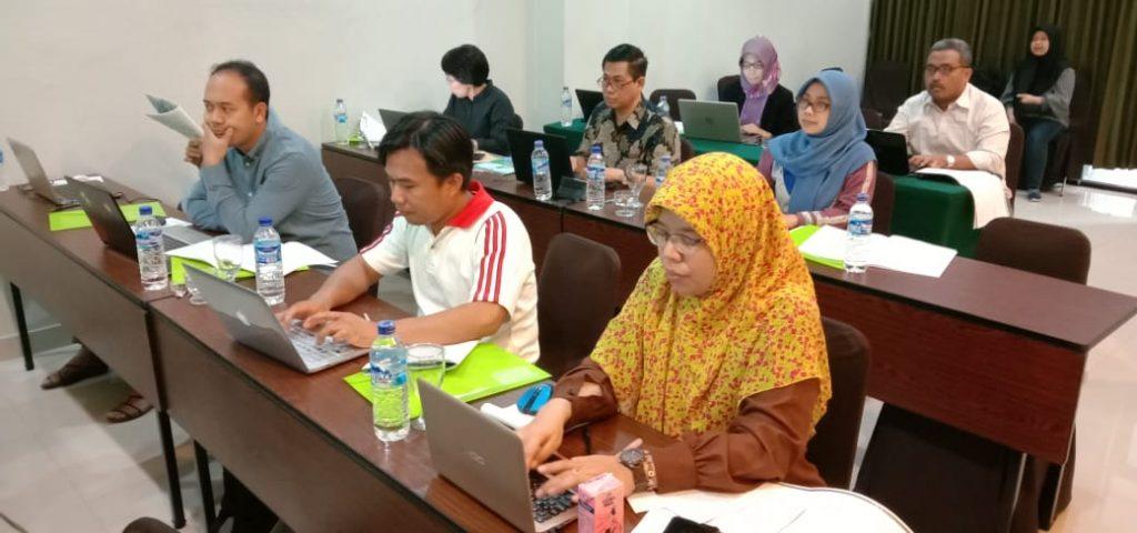 Mahasiswa dan dosen S3 Kesehatan Masyarakat UNS mengikuti Pelatihan Data IFLS di Yogyakarta