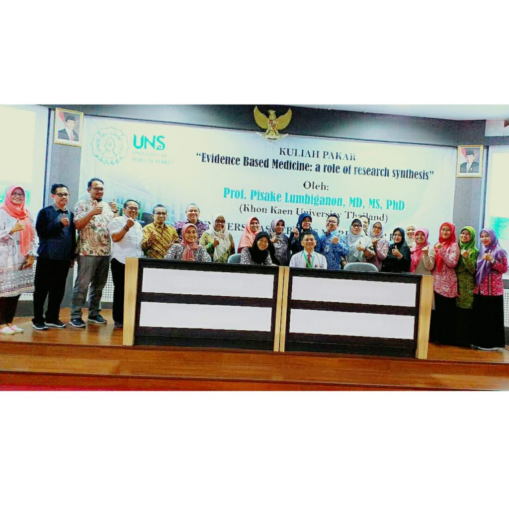 """Kuliah Pakar """"Evidence Based Medicine : a role of research synthesis"""" oleh Prof Pisake Lumbiganon, MD, MS, PhD"""