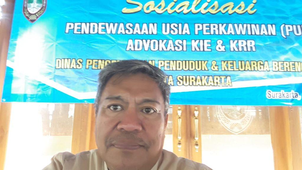 Mahasiswa S3 IKM UNS a/n Istar Yuliadi menjadi narasumber dalam acara Sosialisasi Pendewasaan Usia Perkawinan Remaja