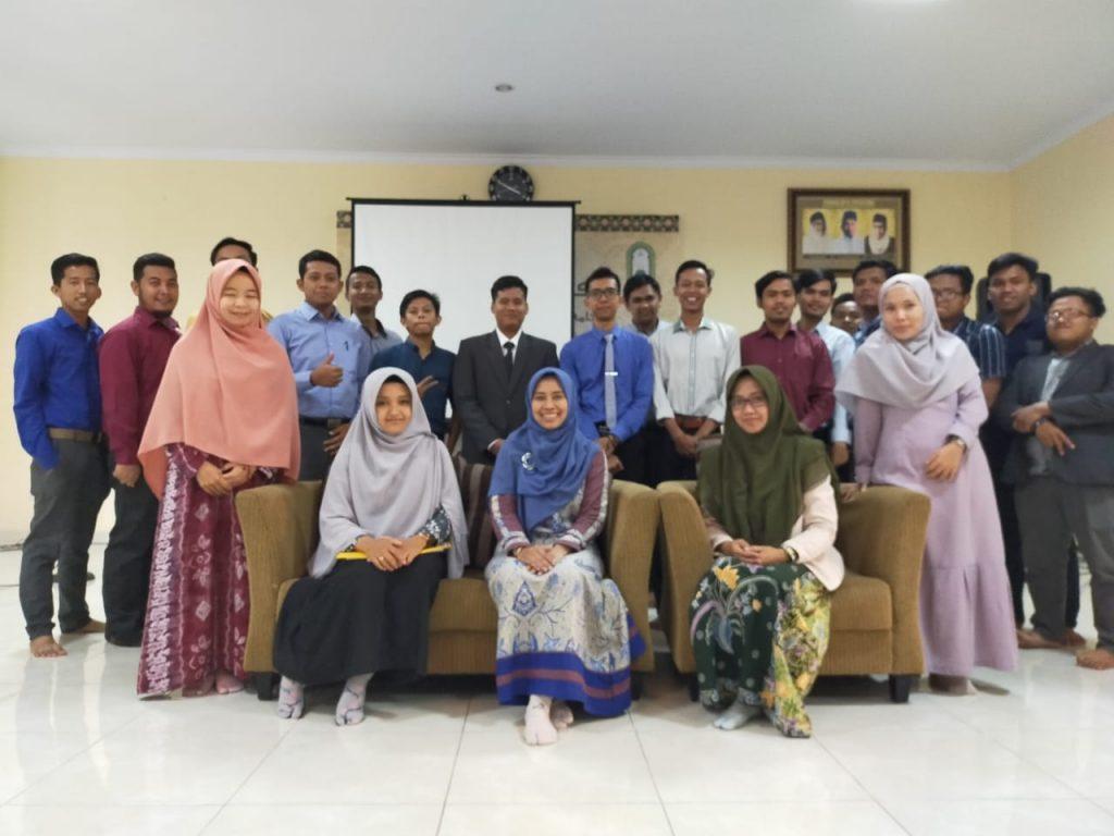 Dosen S3 IKM UNS Dr. Eti Poncorini Pamungkasari, dr, MPd menjadi narasumber Workshop di Universitas Darussalam Gontor Ponorogo Jawa Timur