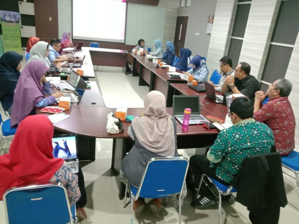Kegiatan Diskusi Topik Disertasi Mahasiswa S3 Kesehatan Masyarakat UNS