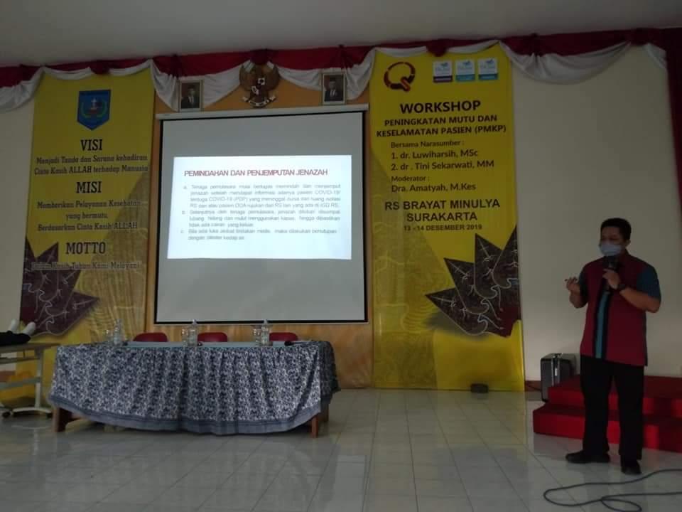 Mahasiswa S3 Kesehatan Masyarakat UNS dr Adji Suwandono, S.H, Sp.F, menjadi Narasumber dalam Inhouse Training di RS Brayat Minulya