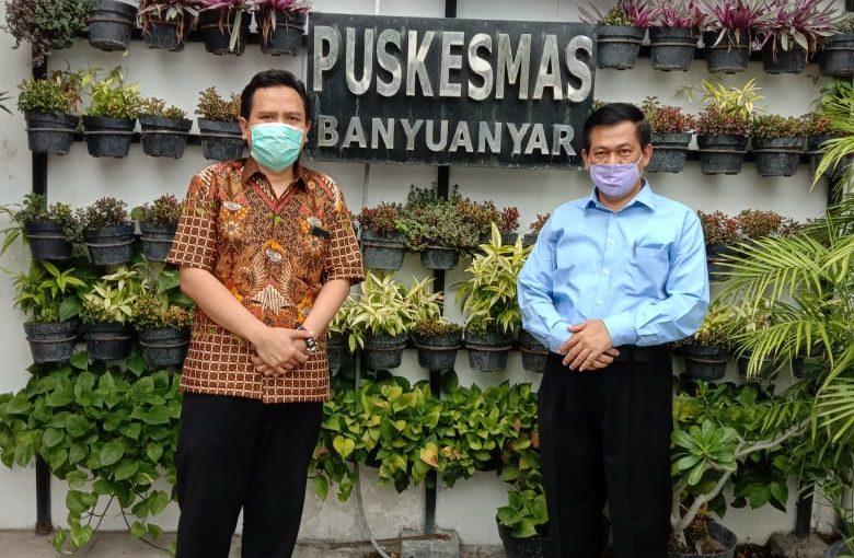 Dosen S3 IKM UNS Dr. Sumardiyono, S.KM, M.Kes Beserta Tim Pengabdi RG Integrated Disease Management dan RG Disease Control, Mengadakan Pengabdian Kepada Masyarakat di Puskesmas Purwodiningratan dan Puskesmas Banyuanyar, Surakarta